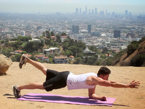 abdominal-plank-alternate-reach-troy-adashun